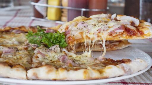 Receta-de-Pizza-de-Queso-y-Jamón-York